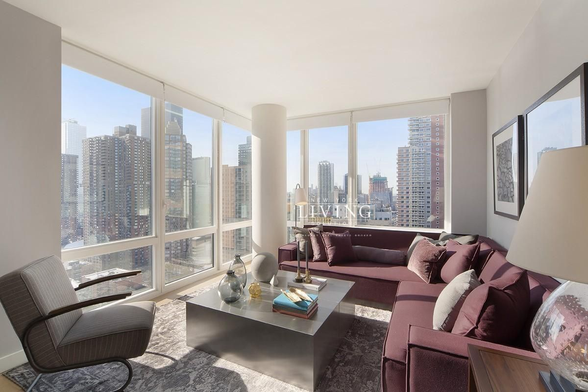3 Bedrooms 2 Bathrooms Apartment For Rent In Midtown West New York Apartment Luxury Nyc Apartment Apartments For Rent