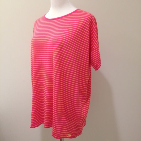 Calvin Klein pink striped tee Loose fit / runs large. Shown on size medium. 100% cotton. Tops Tees - Short Sleeve