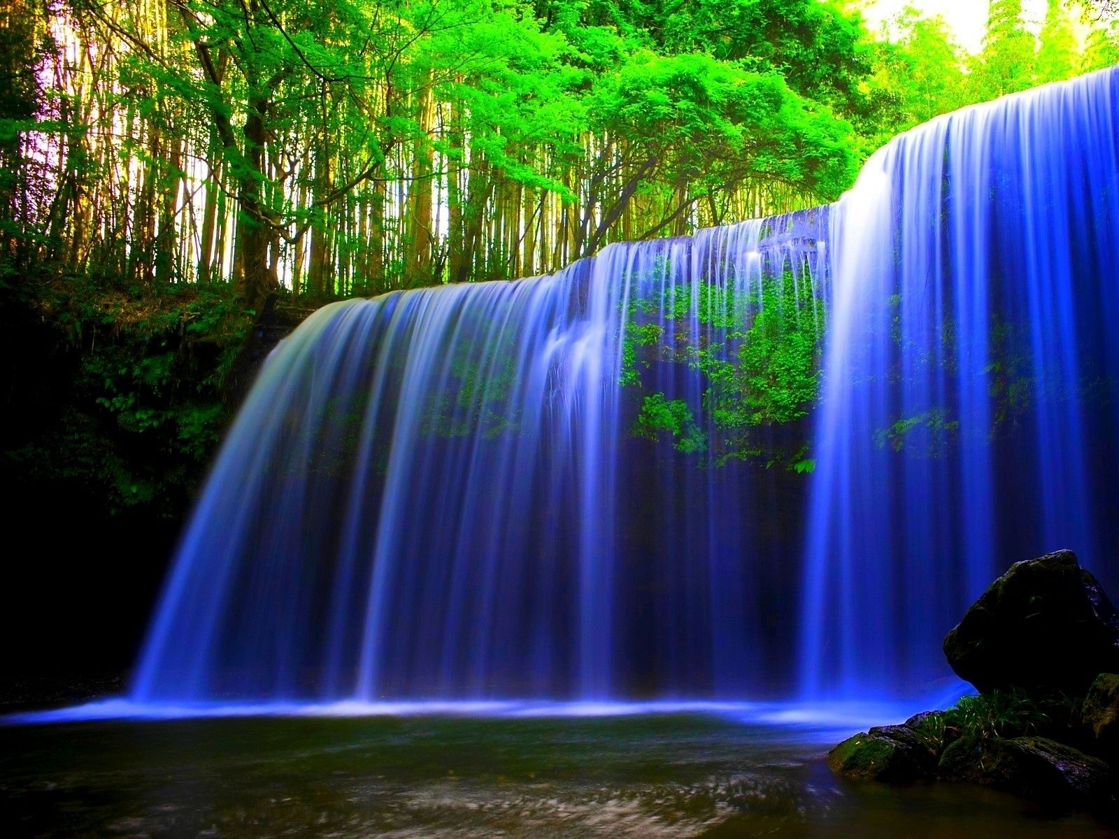Love the long exposure! This waterfall is so beautiful mj
