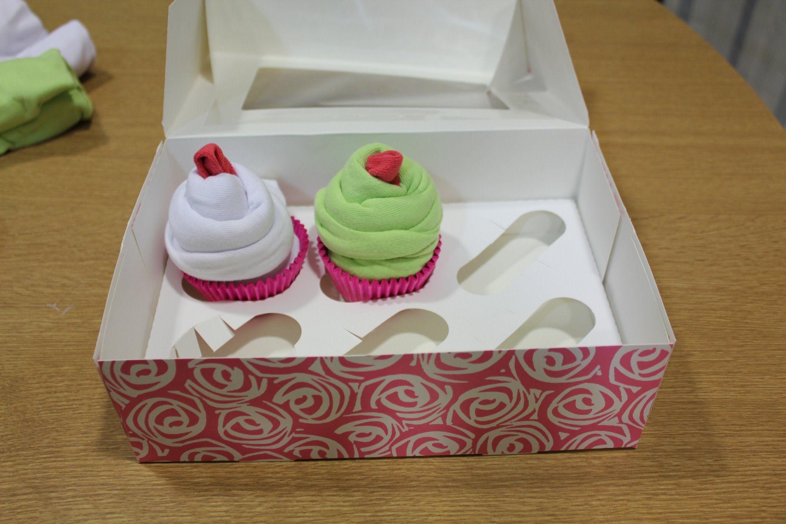 67a542ed06 DIY: Cupcakes de body de bebe | Baby | Baby shower flowers, Baby ...