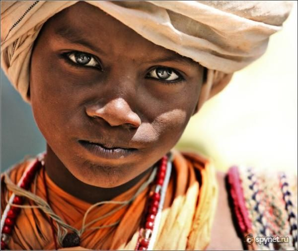 Bekannt Portraits d'enfants du monde (75 portraits | Enfant du monde, Le  DB43