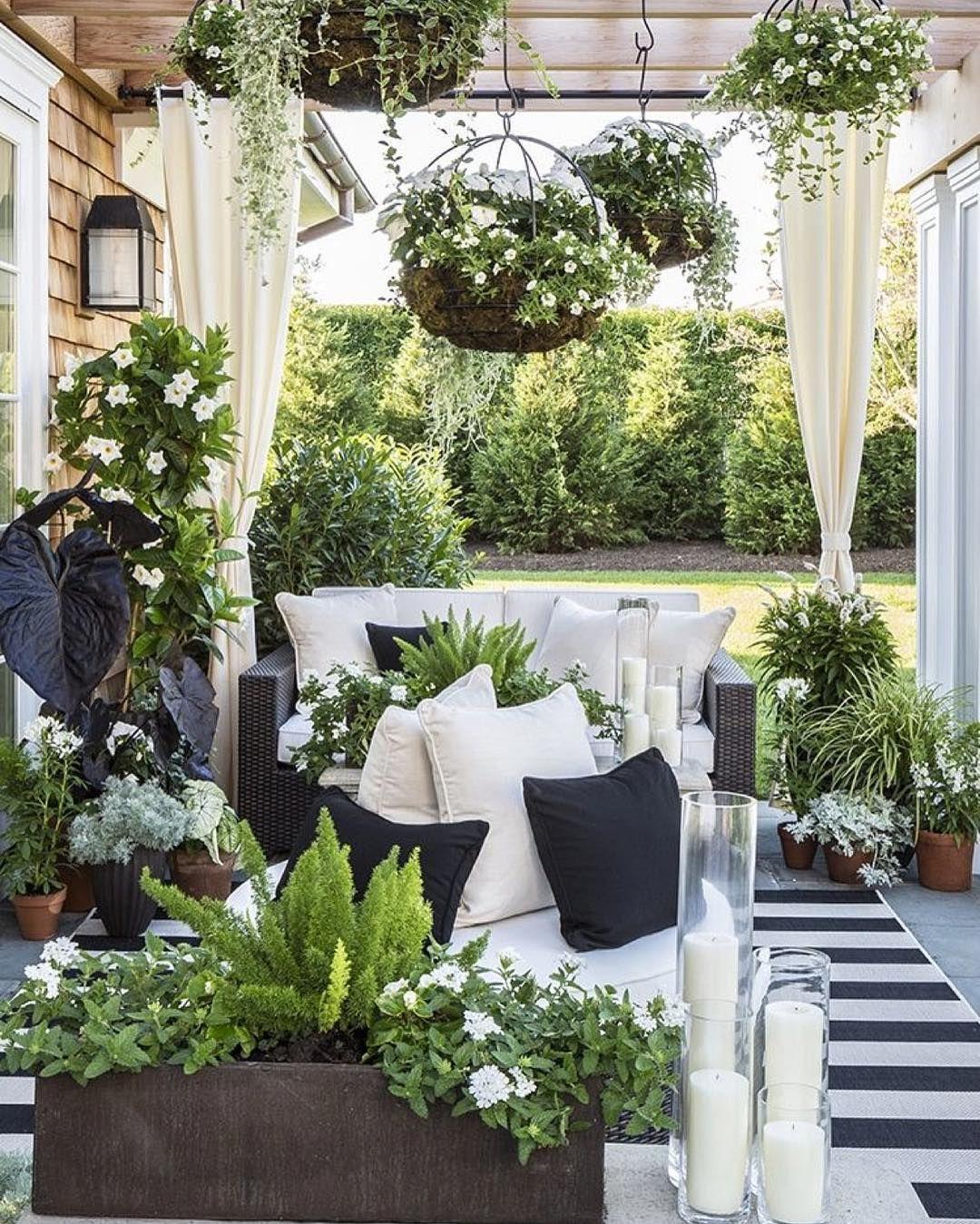 Monochrome garden room  Outdoor patio decor, Small outdoor patios