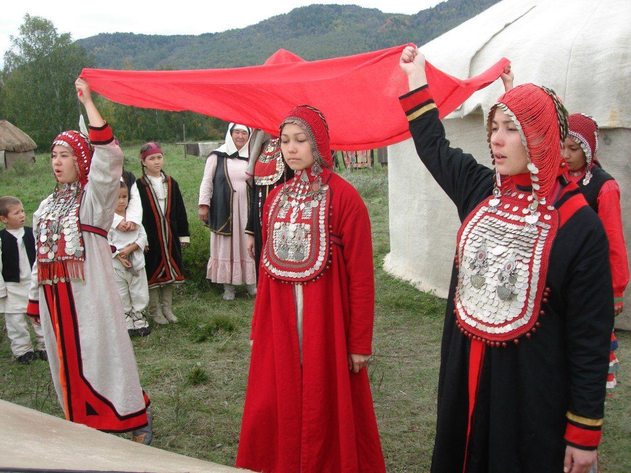 Башкирский костюм Сиянтус. Рияз Исхаков | Нагрудник ...