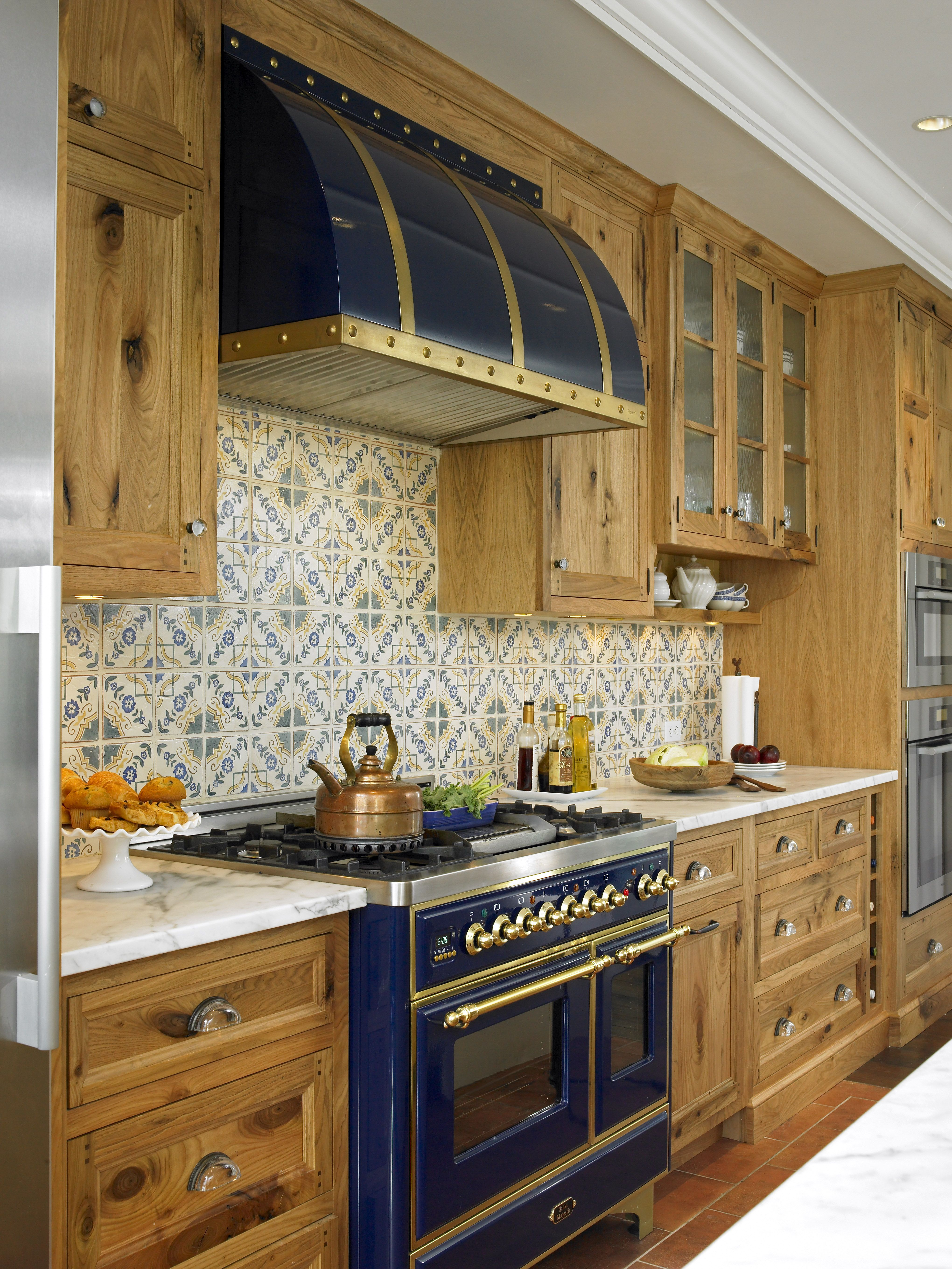 ilve majestic 48 in midnight blue with brass trim kitchen by christine donner photo by nancy on kitchen decor blue id=47026