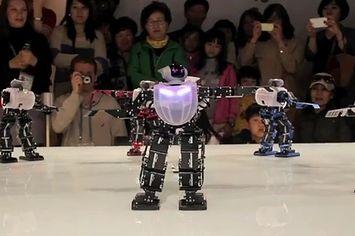 Robots Dancing To Korean Pop Songs Kpop Pinterest Pop Songs