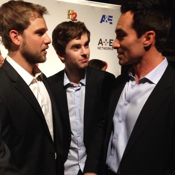 Max thieriot freddie highmore nestor carbonell a e tv for Freddie highmore movies and tv shows