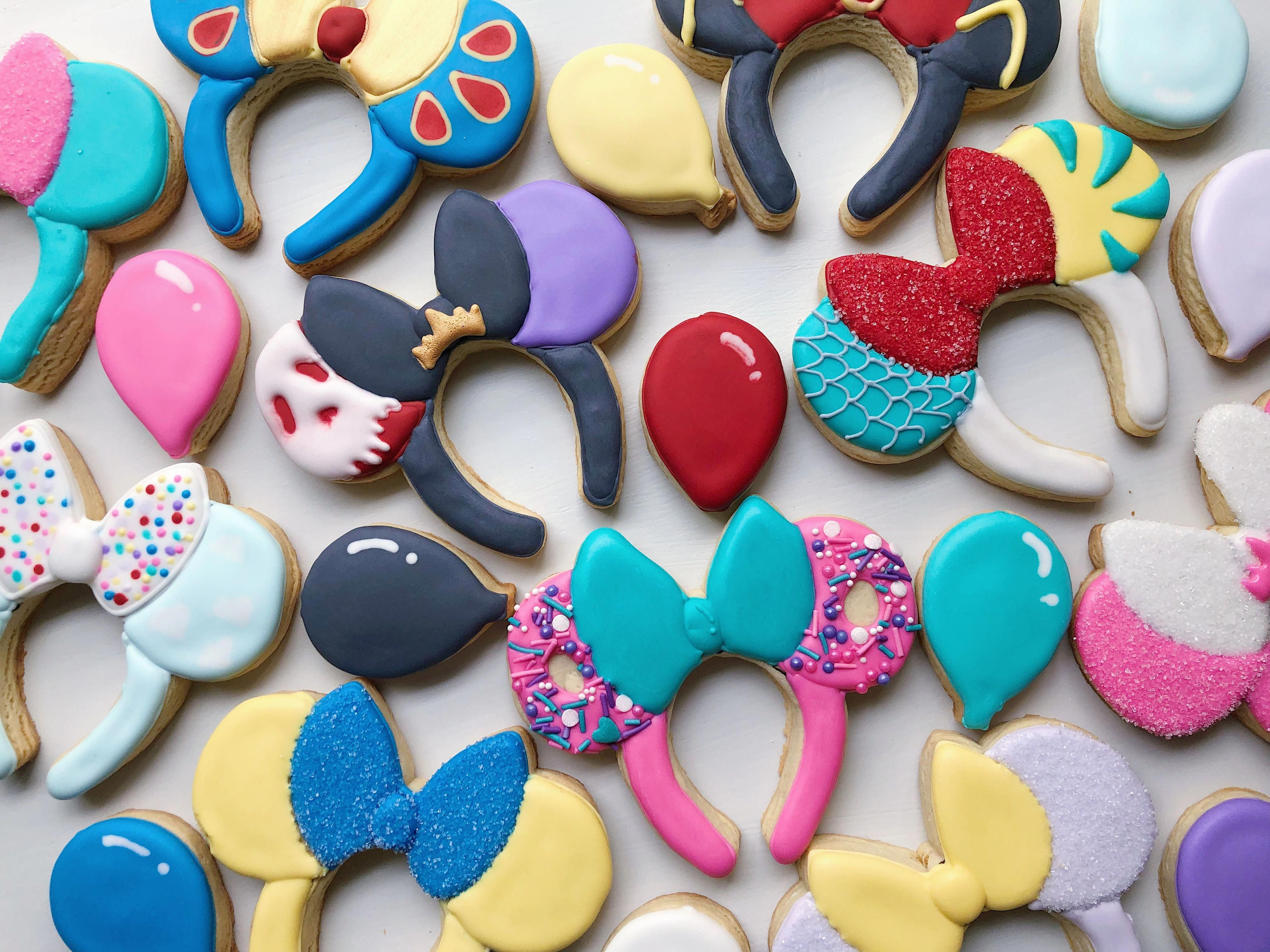 Biscuit dacquoise in 2020 Disney cookies, Minnie mouse