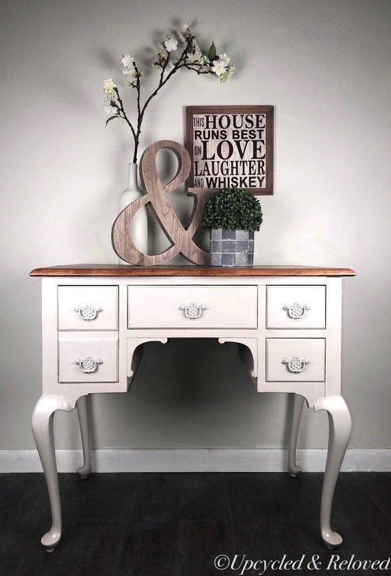 Queen Anne Entry Table Farmhouse Living Room Vintage Furniture Painted Furniture Hallway Table Furniture Log Cabin Furniture Farmhouse Entry Table Living room queen anne furniture