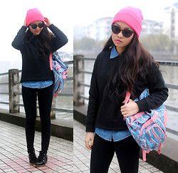 Kipling Backpack, Urban Outfitters Jeans, Isabel Marant Sneakers, Karen Walker Sunglasses
