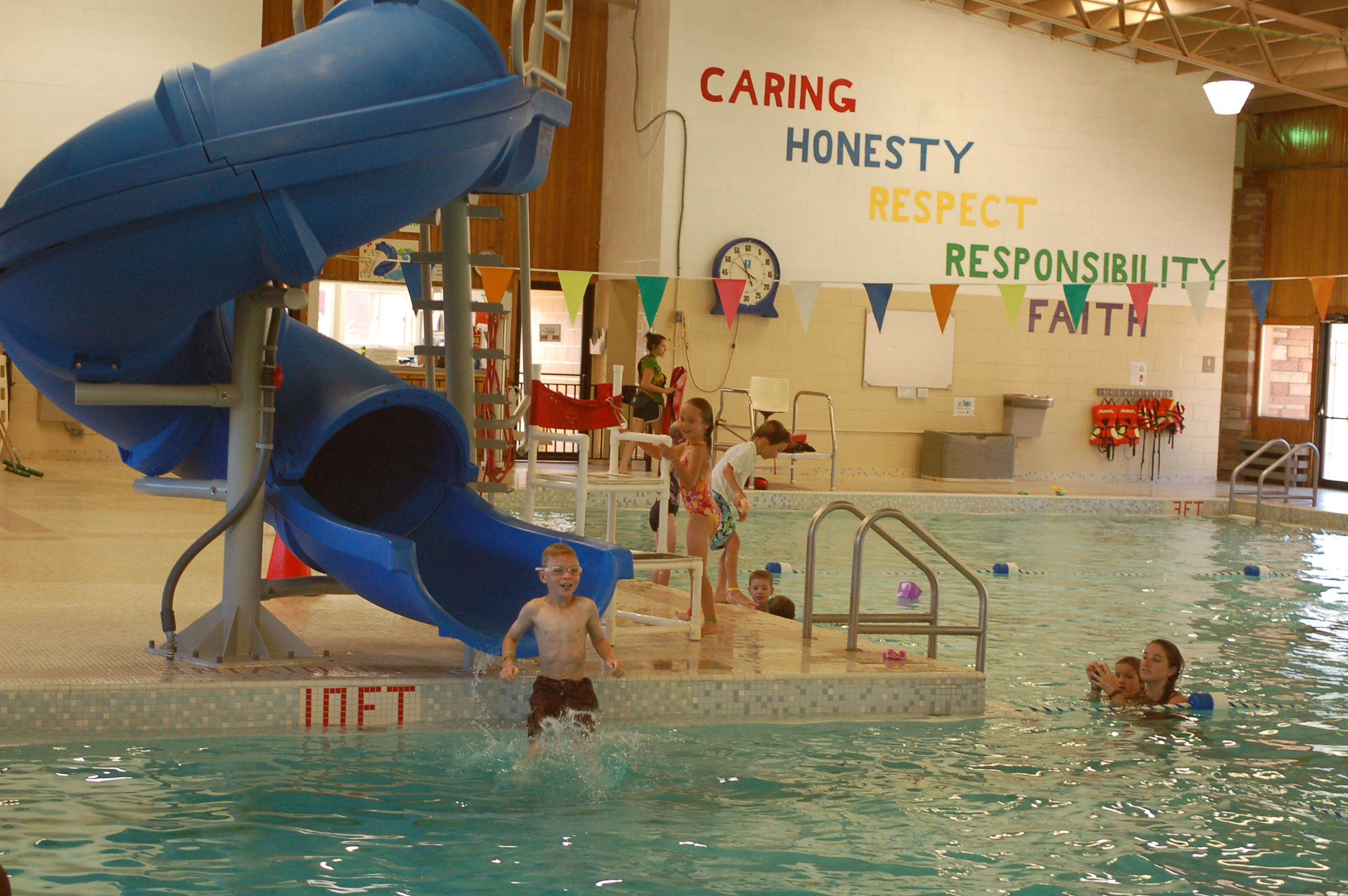 Water slide and swimming pool at YMCA of the Rockies, Estes Park ...