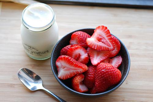 Yogurt & Strawberries