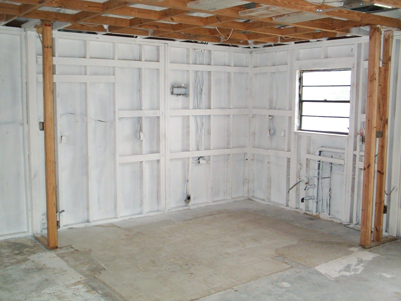 All Outer Walls Are Spayed With A Mold Resistant Paint After The House Has The Mold Eradicated In 5 Days And To The Tune Of Mold Resistant Paint House Molding