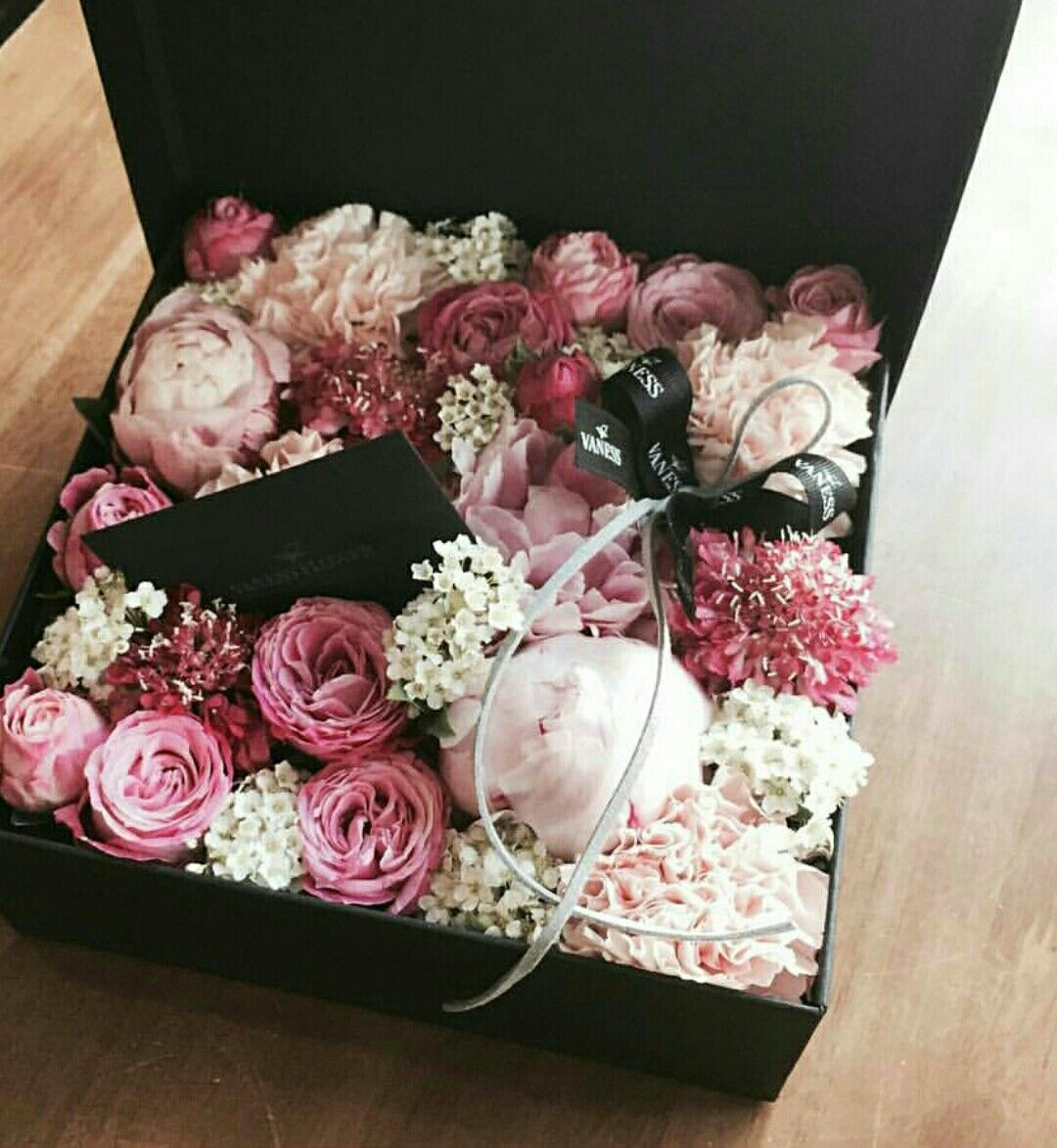 This Is Truly Gorgeous Flower Box Gift Flower Boxes Beautiful Flower Arrangements