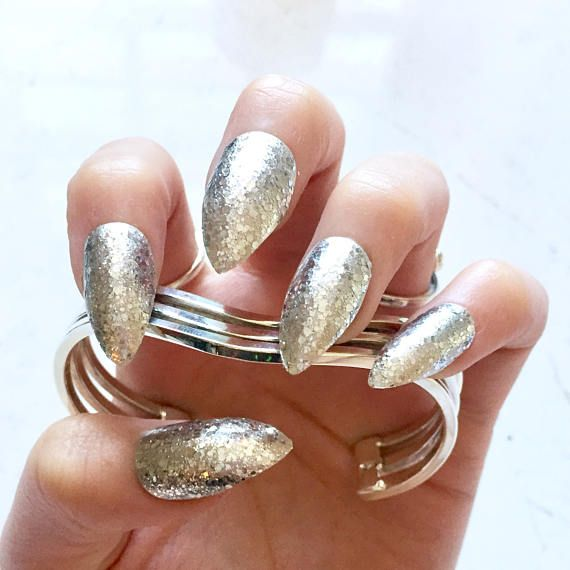 Luxe Silver Glitter Fake Nails - Kitten Claws - Talon/Stiletto Shape ...
