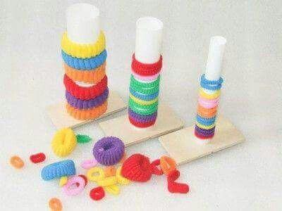 Λεπτή κινητικοτητα   Montessori activities, Toddler learning activities,  Fine motor skills activities