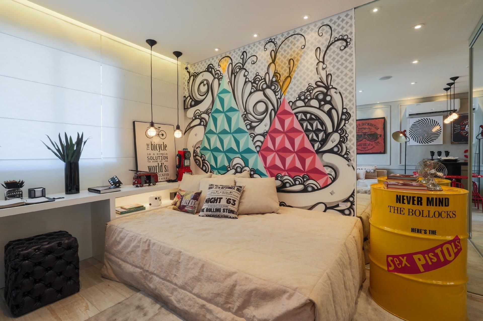 Quer Grafitar Algum Ambiente De Casa Inspire Se Com Essas Ideias  ~ Lustre Para Quarto Masculino E Poster Quarto Masculino
