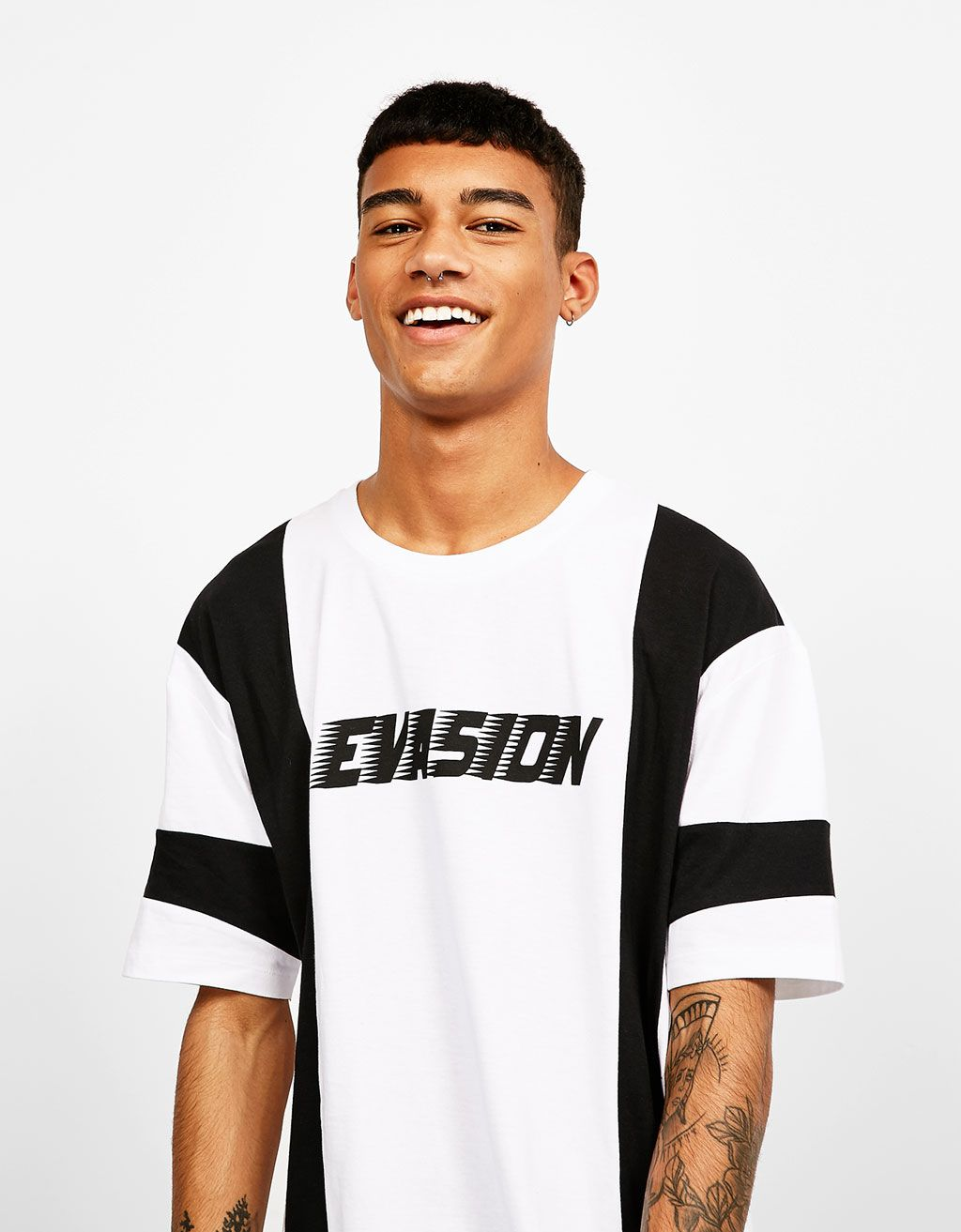 5c1a3978c3e4 White and black print T-shirt in 2019 | STATEMENT | Shirts, Black ...