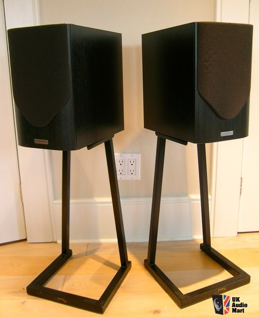 8 Great DIY Speaker Stand Ideas That Easy To Make