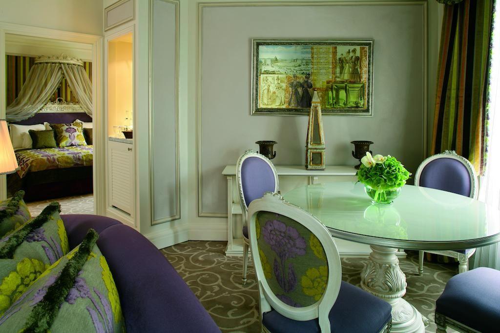 Hôtel Balzac, Paris, France - Booking.com