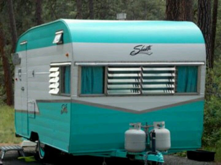 Turquoise shasta vintage camper caravan kamper for Wohnwagen innendesign