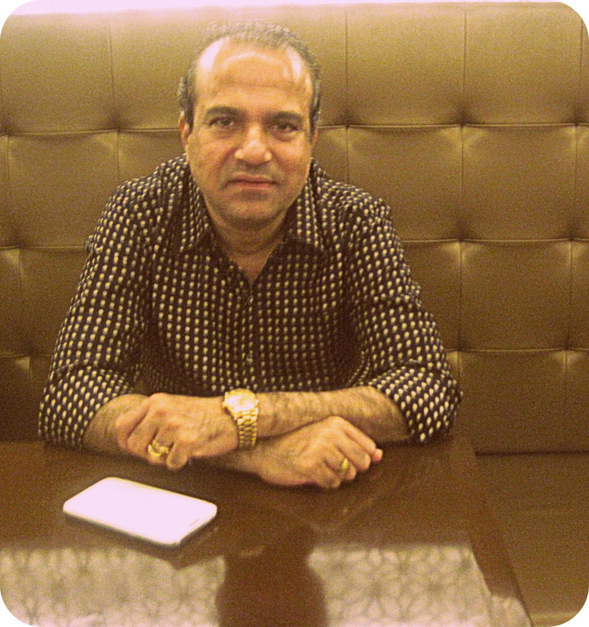 Indian Playback Singer Suresh Wadkar Visited Azure Our Multi - Singer cuisine