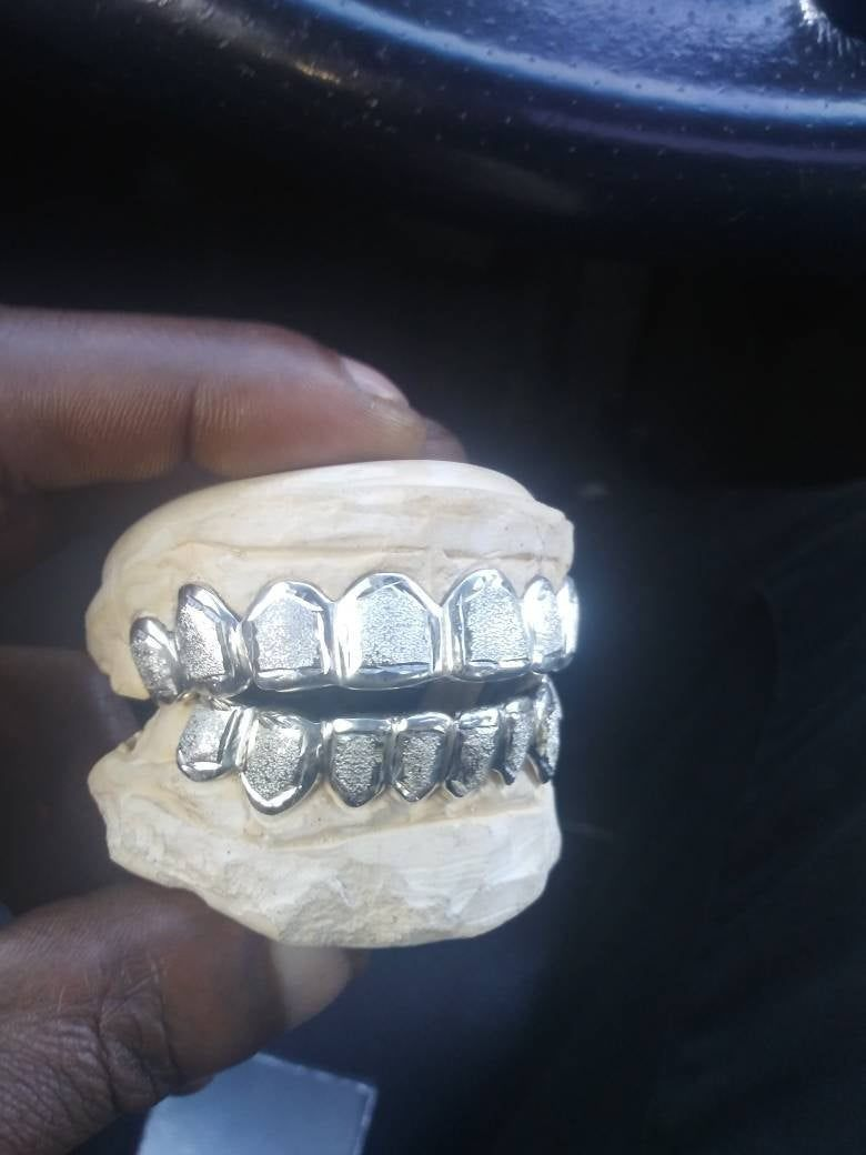Custom Grillz 8pc With Diamond Dust Silver 10k 14k Grillz