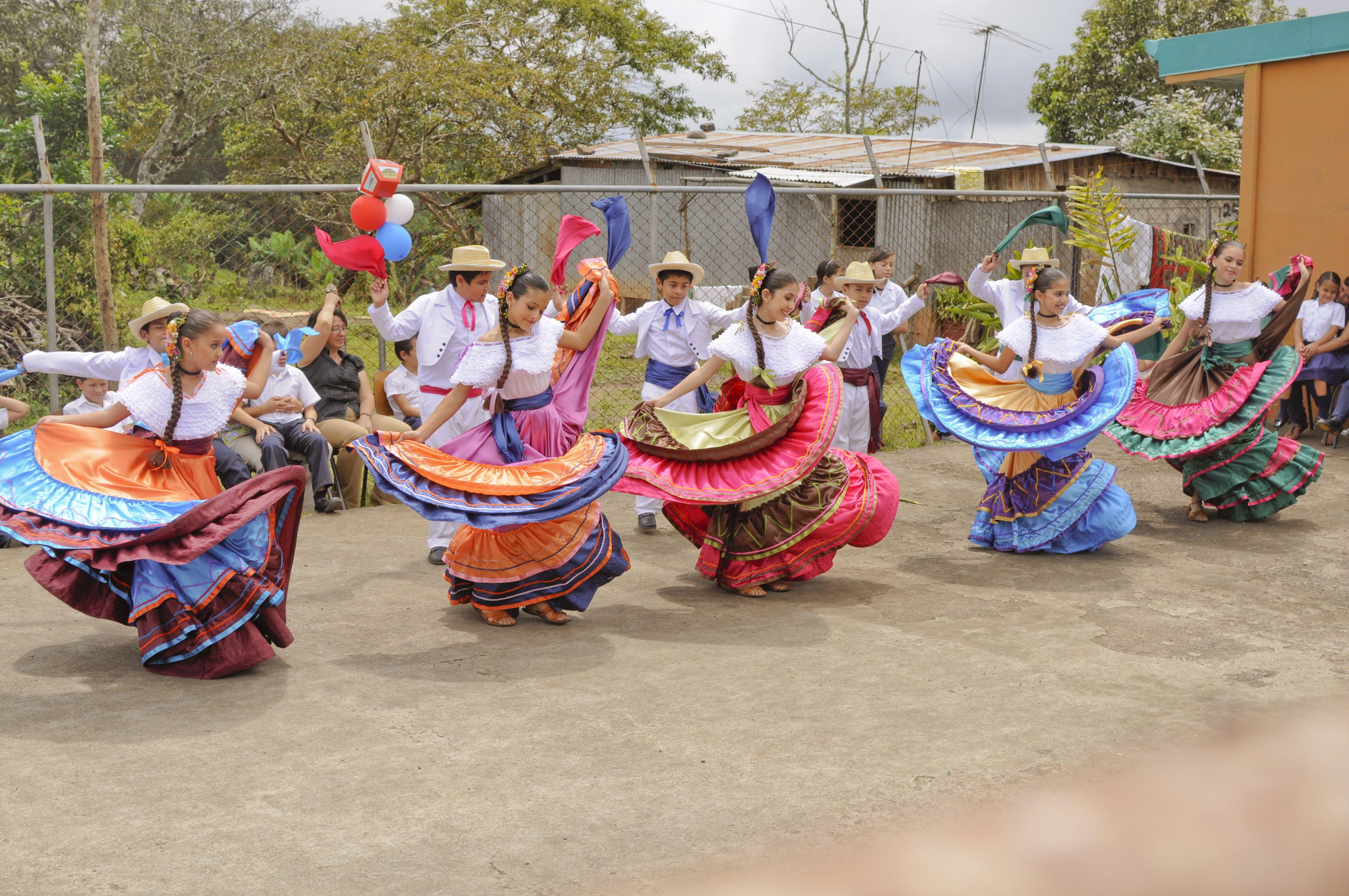 El punto guanacasteco! Es un #baile folclórico #autóctono de #CostaRica,  considerado como el baile nacional. #Guanacaste … | Costa rica, Costa  rican, We the people