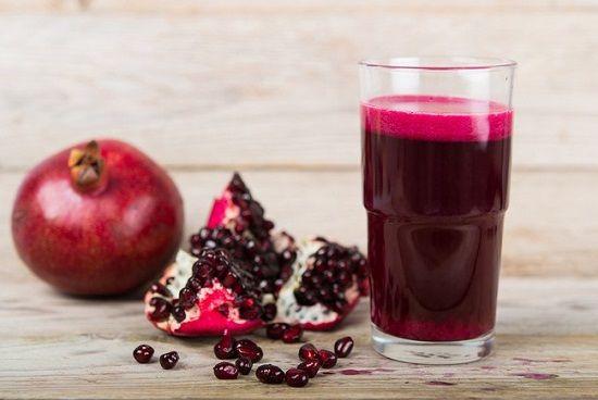 طريقة عمل عصير الرمان الطبيعي طريقة Foods Good For Kidneys Fruit Facts Food