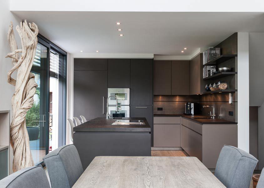 Altholz Braun Dunkelgrau Und Edelstahl Einrichten Mit Stil Geht Genau So Home Decor House Inspo Kitchen