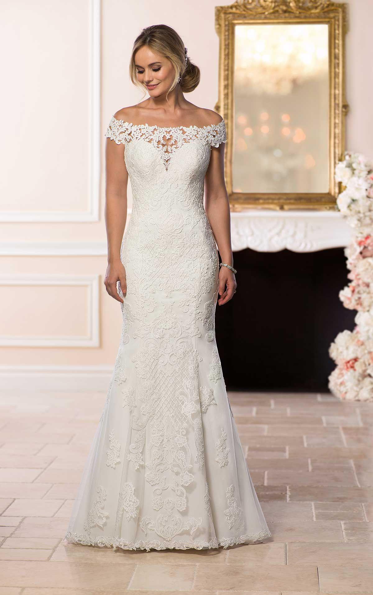 Bohemian lace wedding gown love it pinterest stella york lace