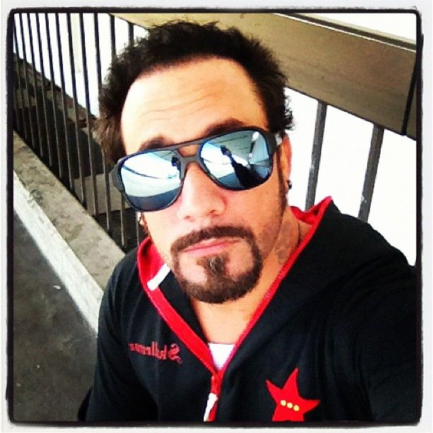 HOTNESS..At lax off to London baby - @skulleeroz- #webstagram
