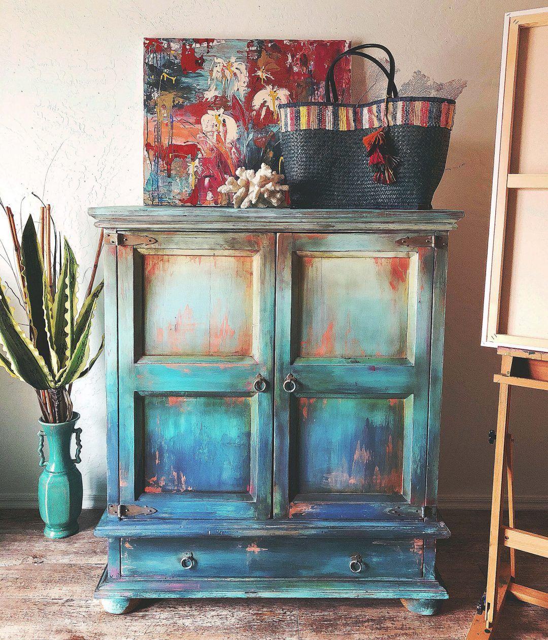 Ombré Step by Step Furniture Makeover – DIY Tutorial