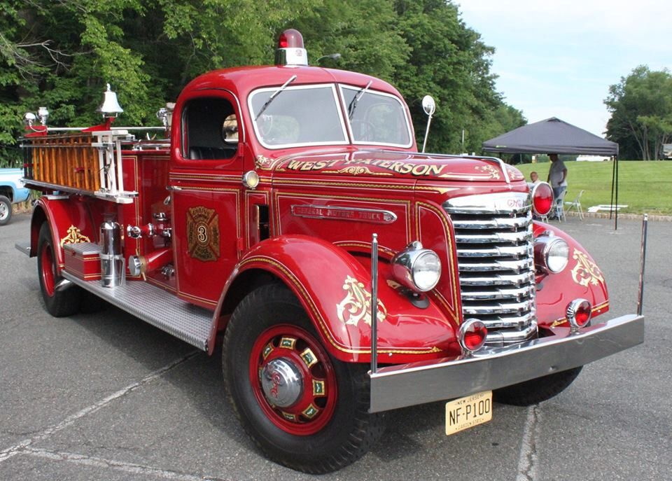 Pin By Valente Garcia De Quevedo On Engines Trucks And Misc Fire Trucks Emergency Vehicles Fire Engine