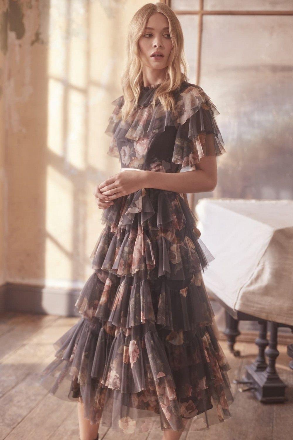 Tulle Needleamp; Ps19 Dress The Venetian Rose In Graphite From Thread TFK1lJc