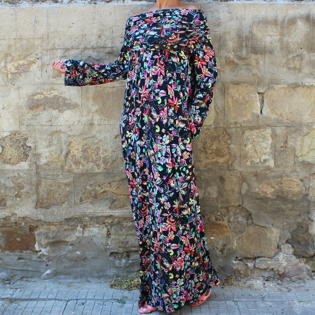 Lovely Fall 2016 Model Beautiful Floral Hooded Maxi Dress Lovely Stretchy Thin Wool Viscose Fabric Stylish Maxi Dresses Fall Maxi Dress Floral Maxi Dress [ 1080 x 1080 Pixel ]