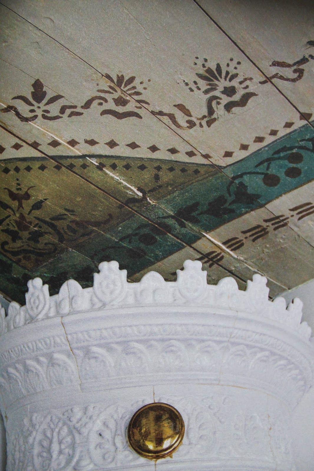 """Beautiful painted ceiling. Kattomaalaus kirjasta """"Lyckan är en gammal gård""""."""