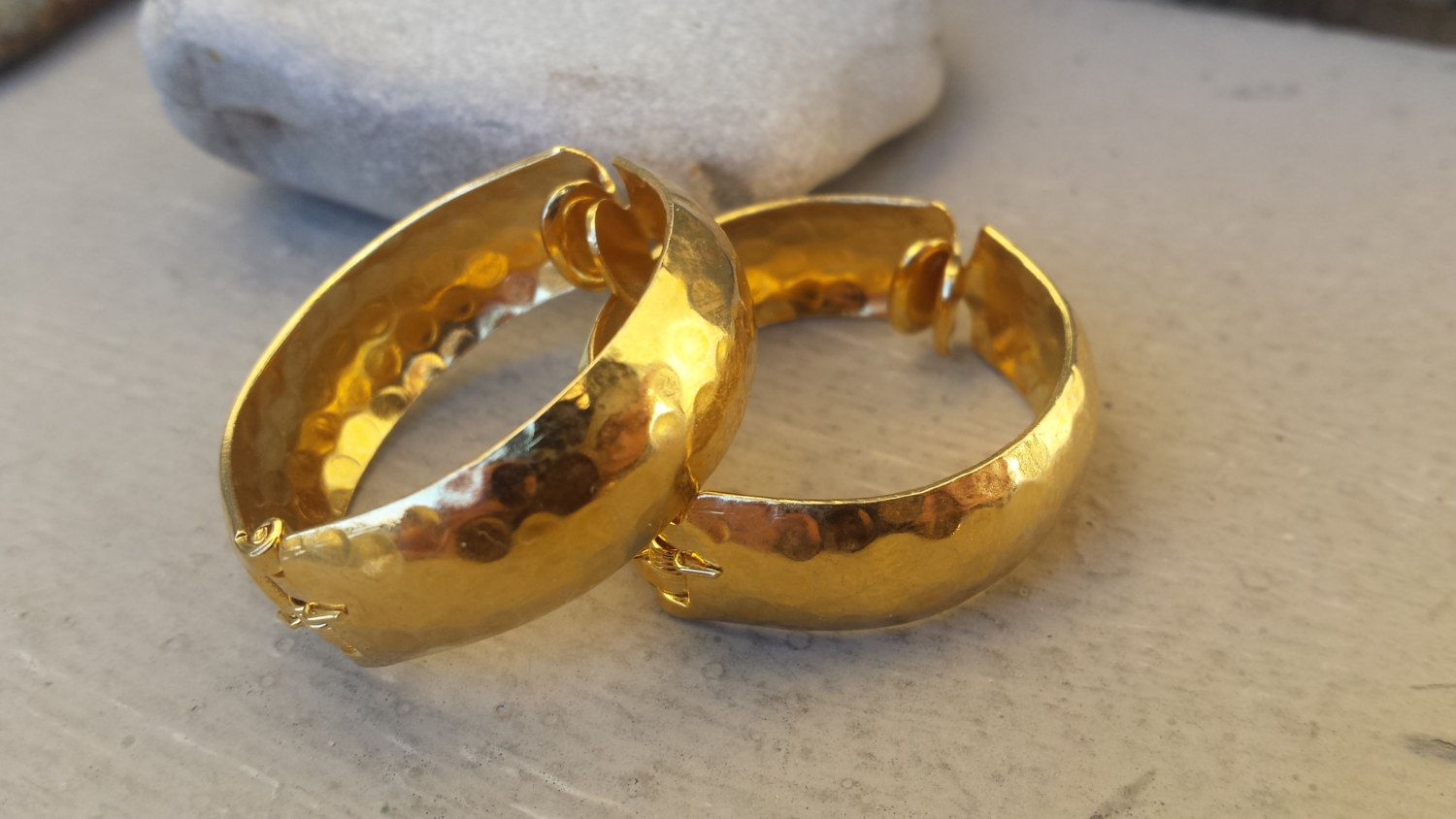 Gold Hammered Hoop Clip On Pierced Look Earrings 70s Vintage Tone Gypsy Pirate Metal By Thefoxandfilly