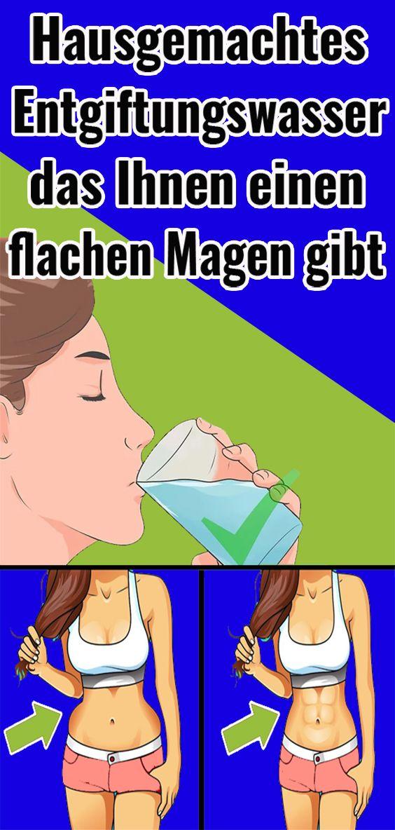 Hausgemachtes Entgiftungswasser das Ihnen einen flachen Magen gibt Hausgemachtes Entgiftungswasser das Ihnen einen flachen Magen gibt