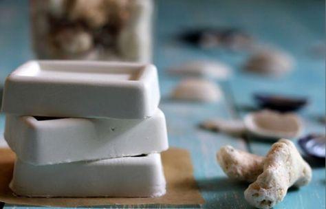 DIY Facial & Hair Serum Bar (inspired by Lush's serum bar)  ingredients:  Shea butter or coconut oil 3 tbsp Almond oil 1 tbsp A lemon Honey 1 tbsp Rose water 2 tbsp Baking paper