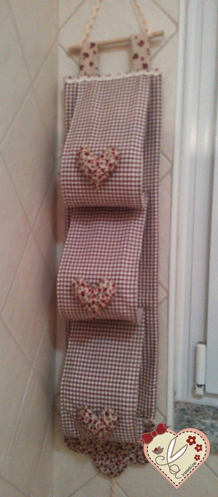 Le creazioni di antonella tende per bagno con dietro vetro mantovana portarotoli e tendina - Cucito creativo bagno ...