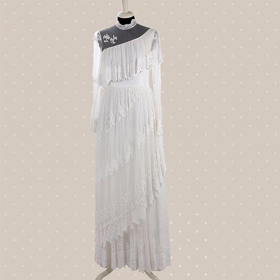 8420c459d0be6 Abito da sposa in tulle elasticizzato dalla linea dritta originale anni   60