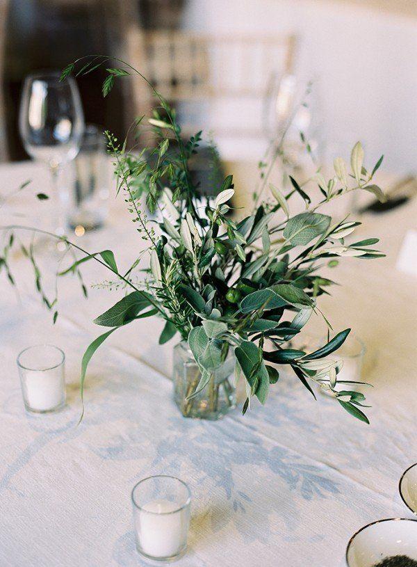 Trending 20 chic white und green wedding centerpiece ideen - Griechische tischdekoration ...