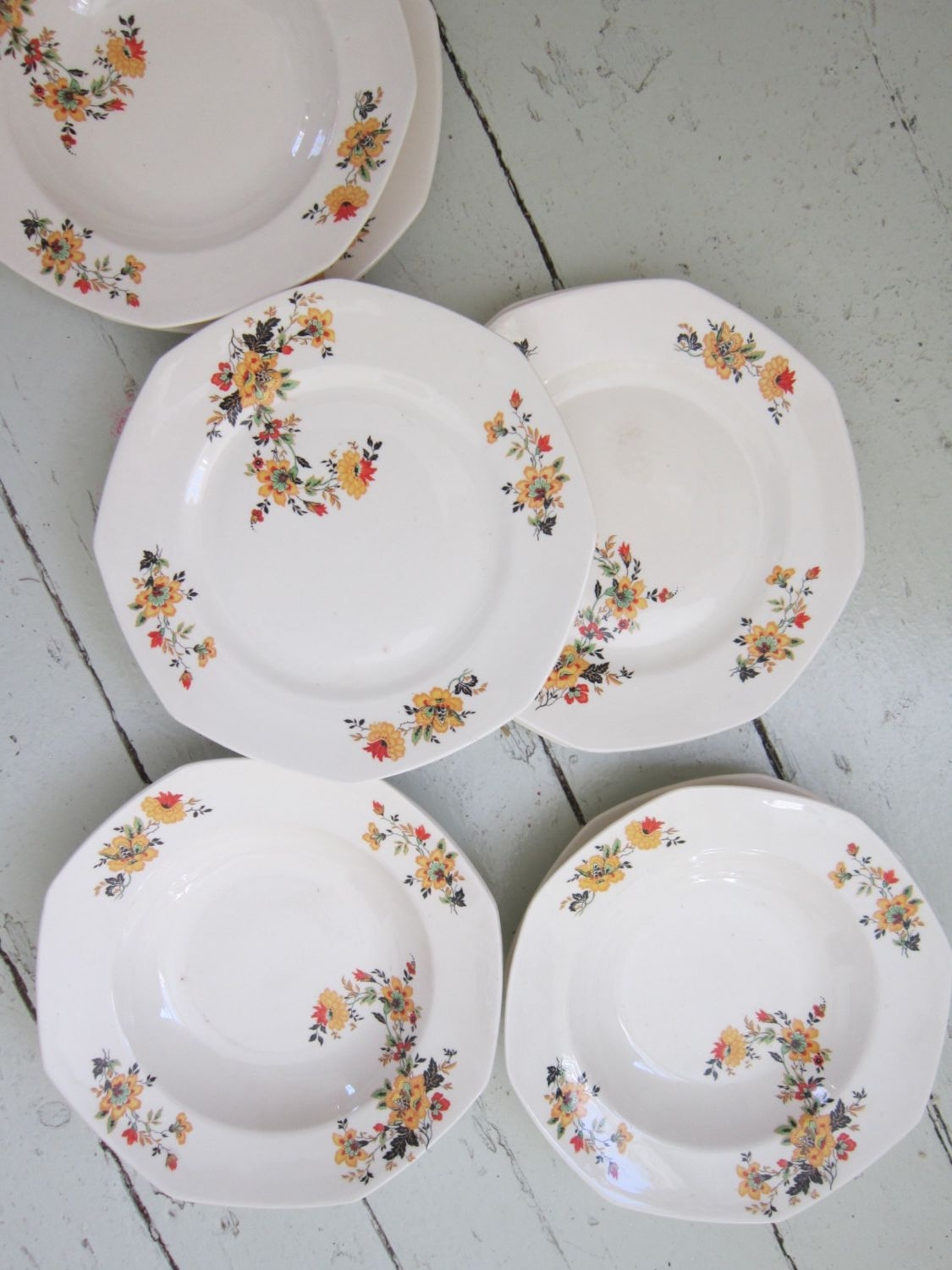 Vintage Homer Laughlin Set of Four Shallow Bowls Medieval Rose & 1927 Vintage Homer Laughlin Set | Dishes Ceramics Pottery ...