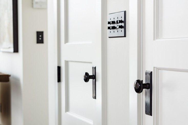 Love black doorknobs with white doors