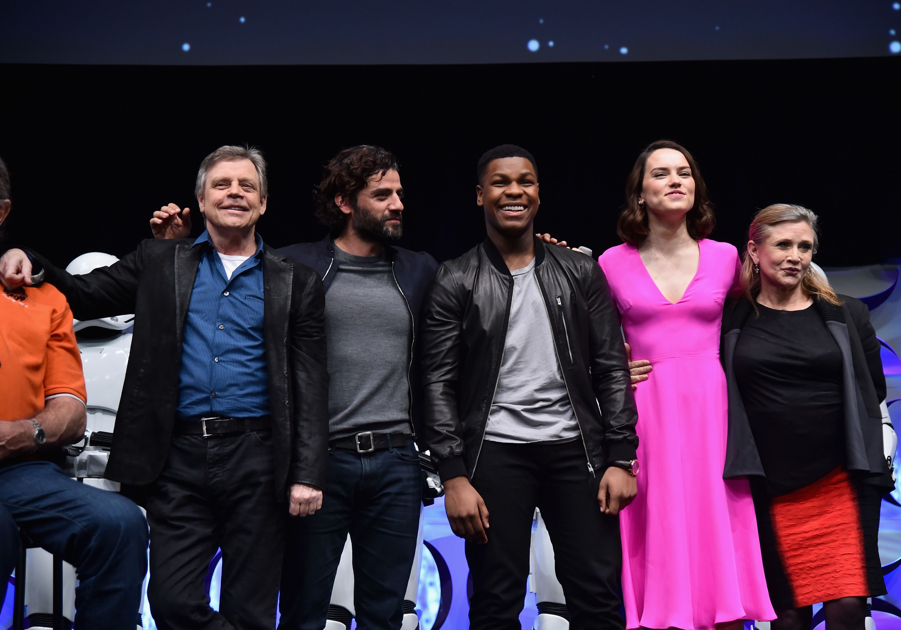 Camera Cachee Star Wars : Star wars vii the force awakens mark hamill oscar isaac john