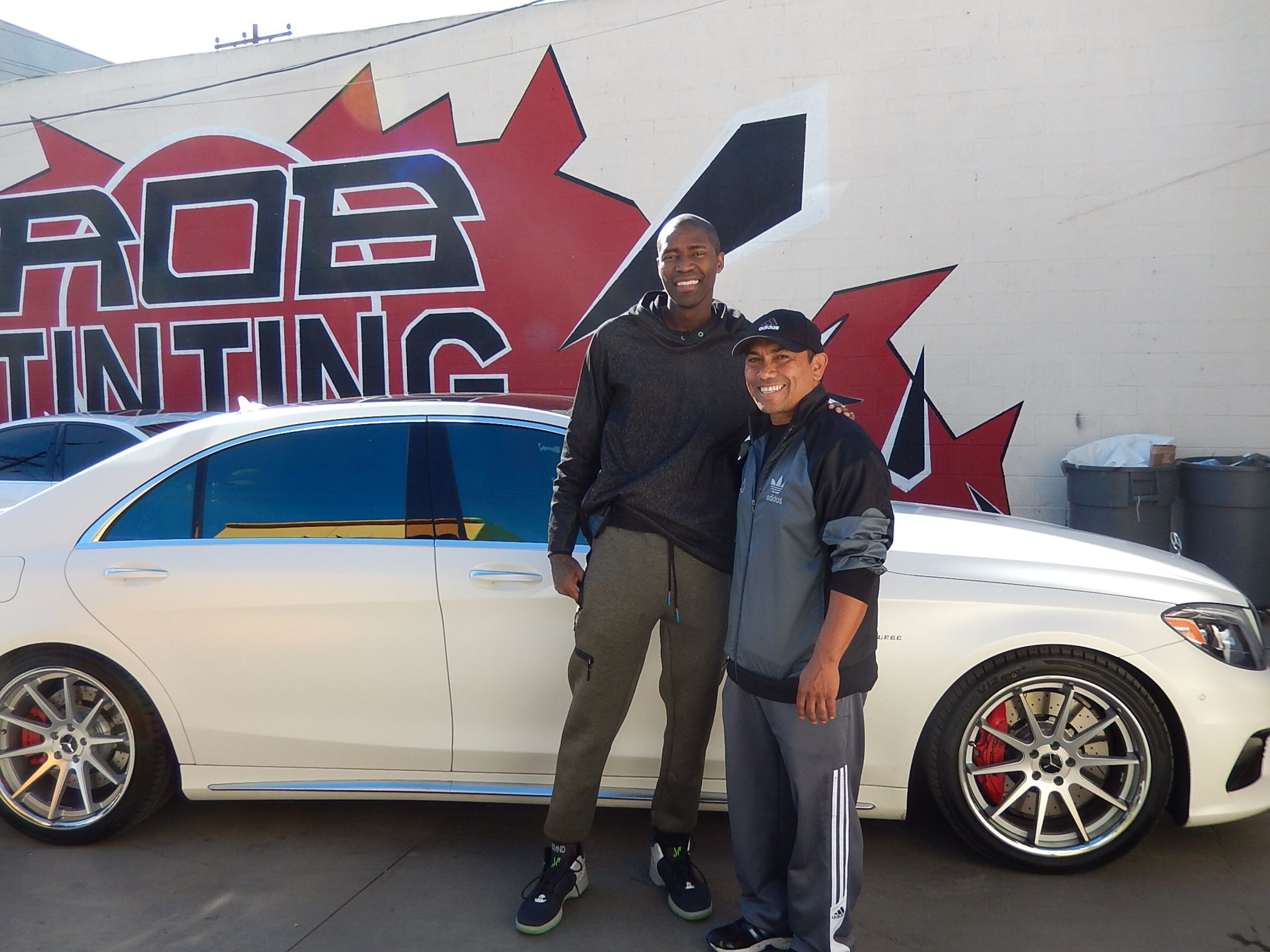 Jamal Crawford La Clippers Has His Car Windows Tinted At