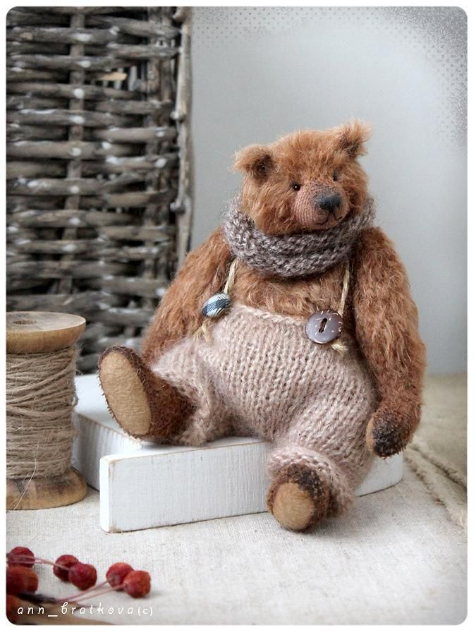 Leon small classic bear by Anna Bratkova on Tedsby