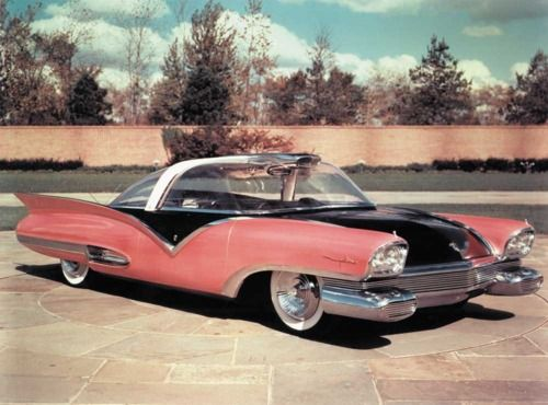 Ford Mystere Mid 50s Dream Car Larger Lincoln Futura Version Was All Black And Was Modified Into The 60s Tv Concept Cars Sports Cars Luxury Classic Cars