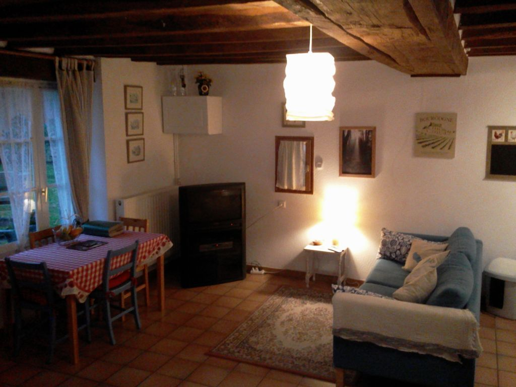Gite Chardonneret. Sleeps 2. Or two plus a baby. Cot provided so you don't have to!
