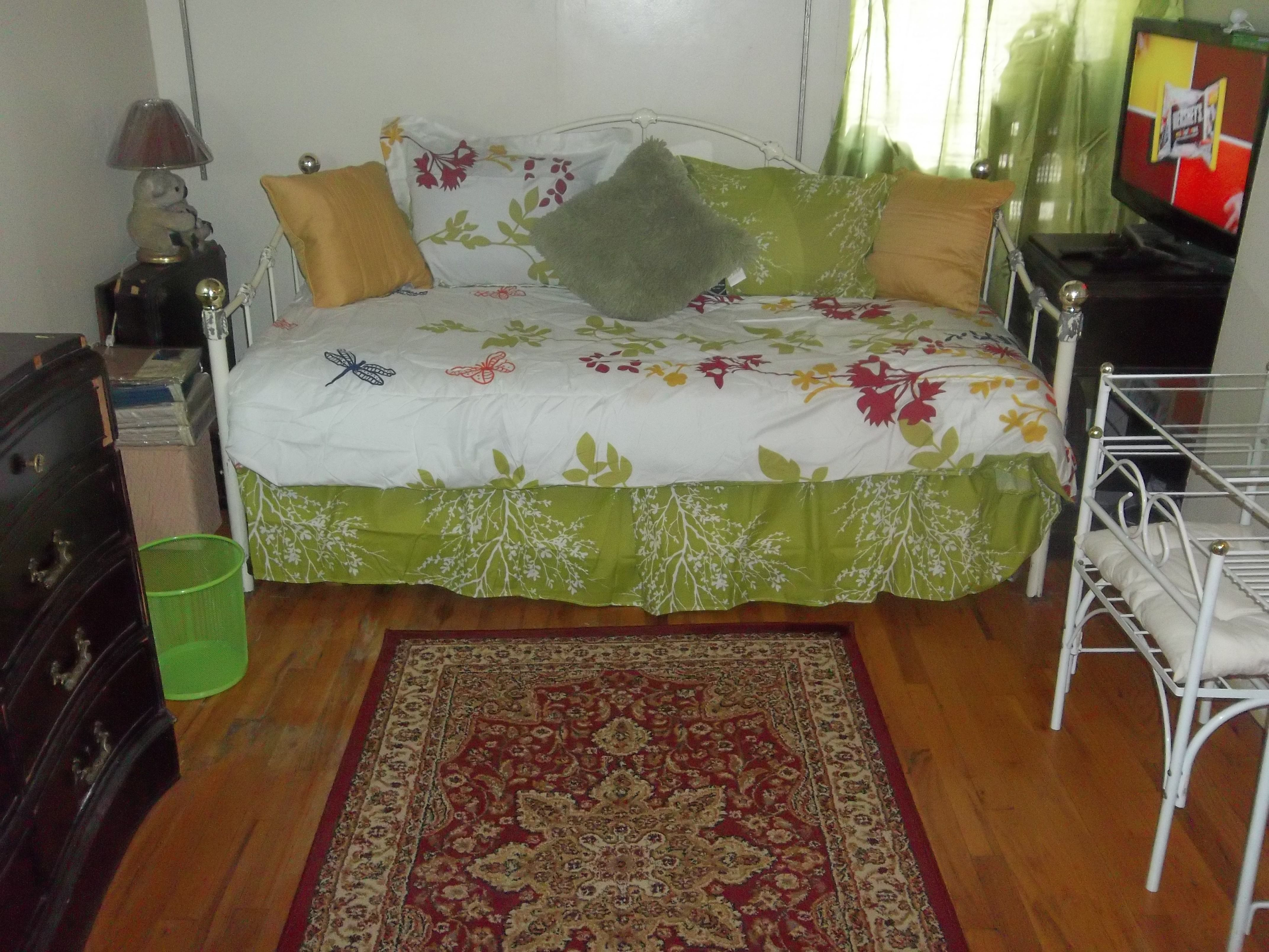 Diggz Find Your Perfect Roommate In Nyc Search For Roommates Rooms For Rent Rooms For Rent Roommate Rooms Rent In Nyc